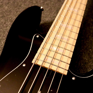 Mbasses MJ 70's BLACK Head Matching 5 string bass